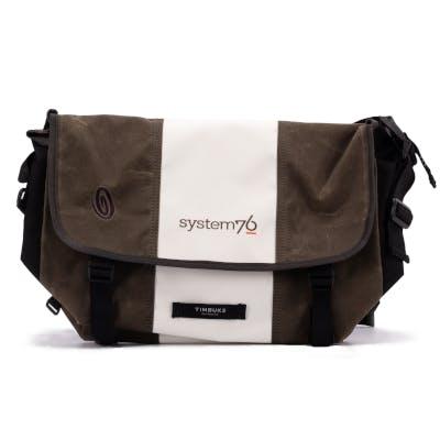 Single-strap messenger bag for 17 inch laptops.