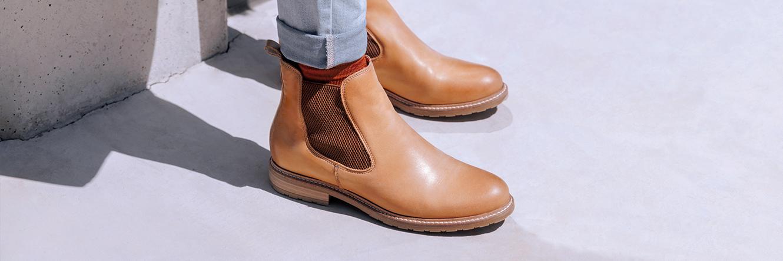graue stiefel flach 42