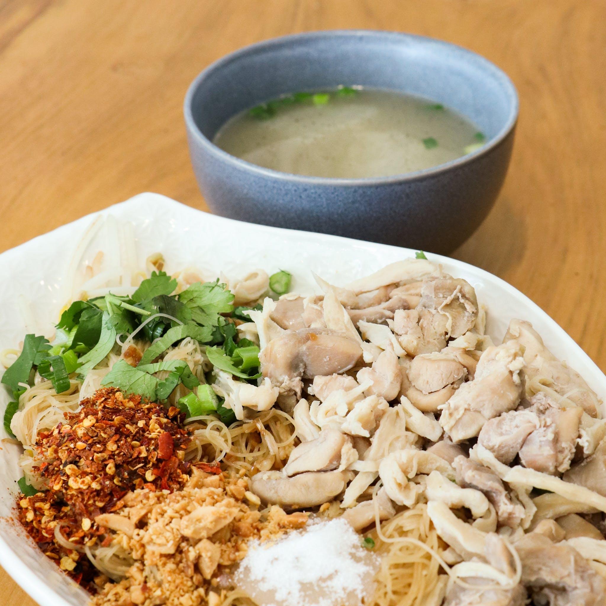 Thai chicken dry noodles