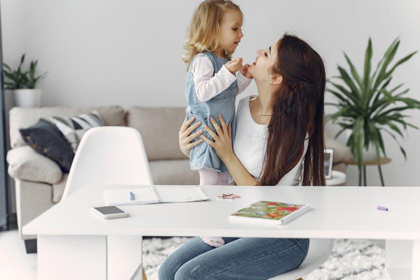 Mutterschutz Mutter Kleinkind Homeoffice