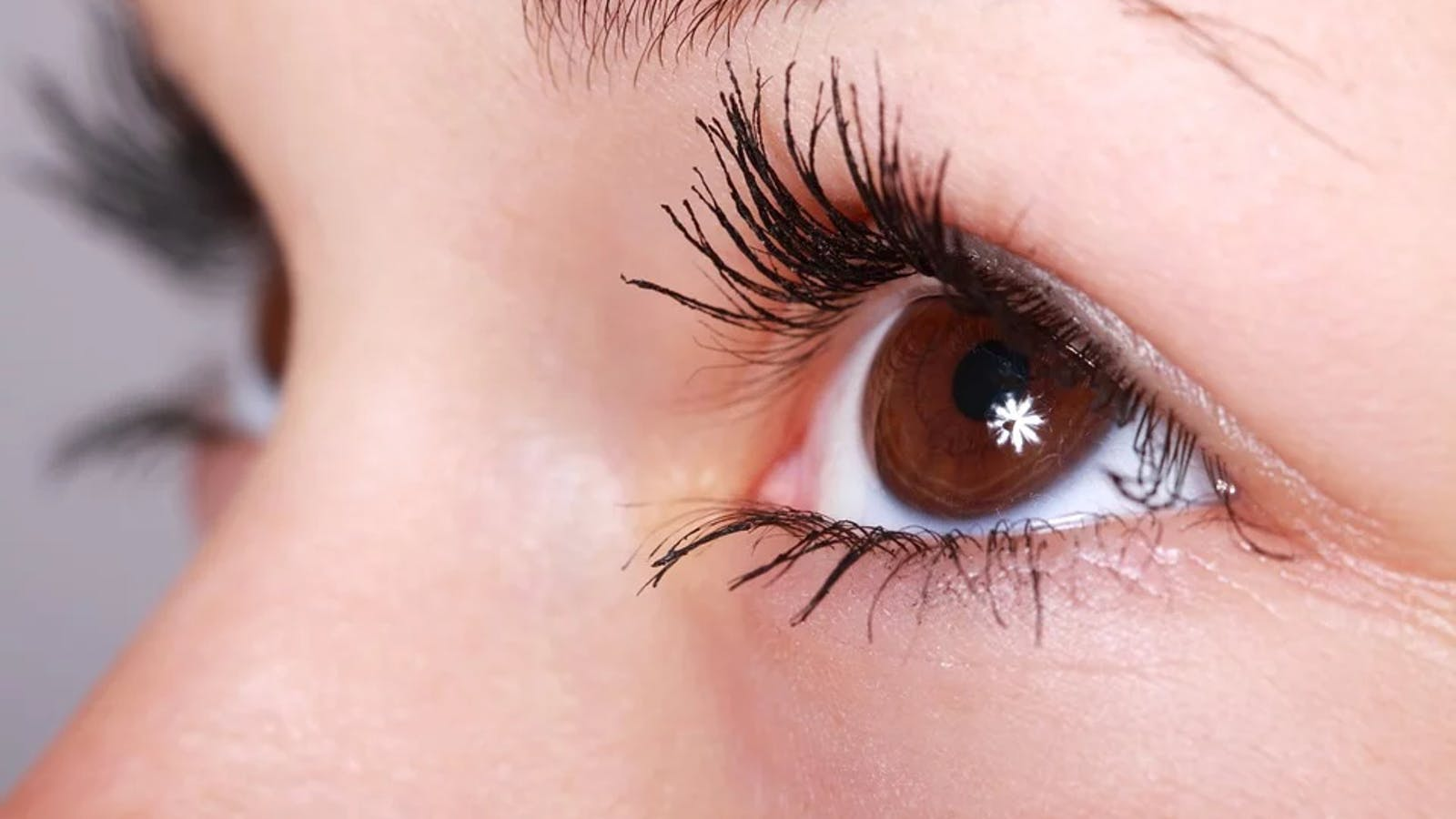 Taking Care Of Your Eyes The Right Way By Using Collagen