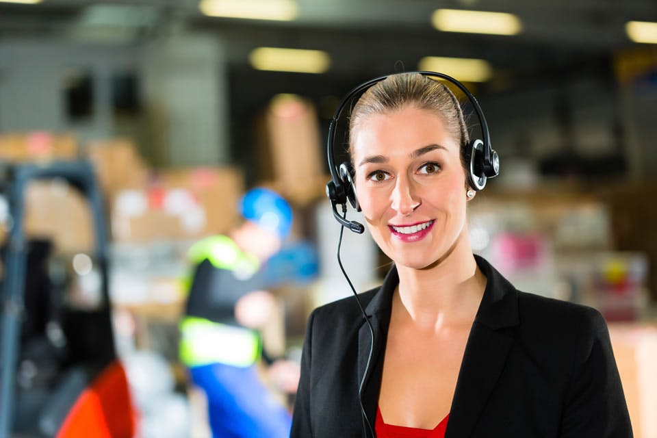 8 Reasons Your Business Needs Call Forwarding to Improve Service and Reputation