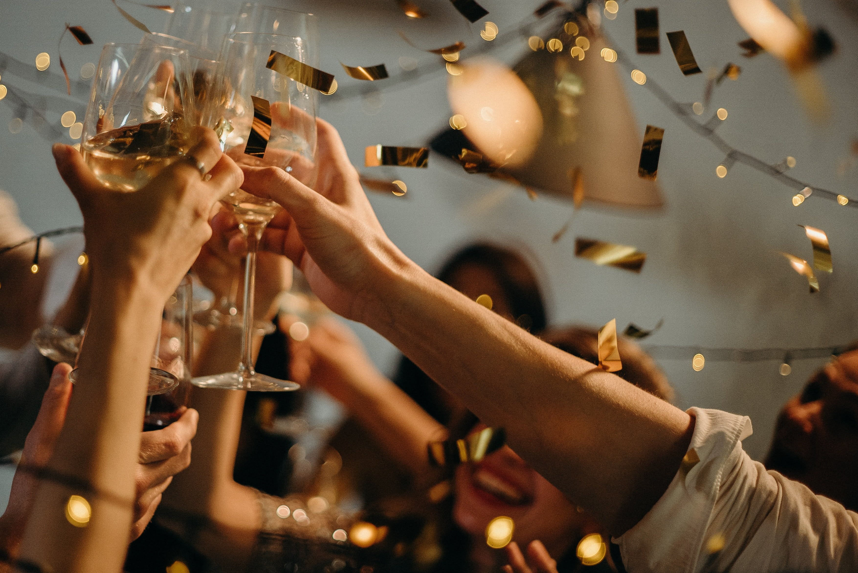 How to stand out at a New Year's Eve party - Tips and Tricks