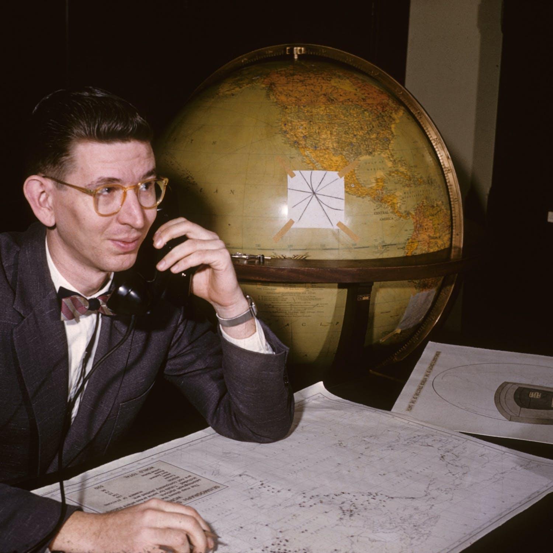 How to Debate Flat Earth Believers