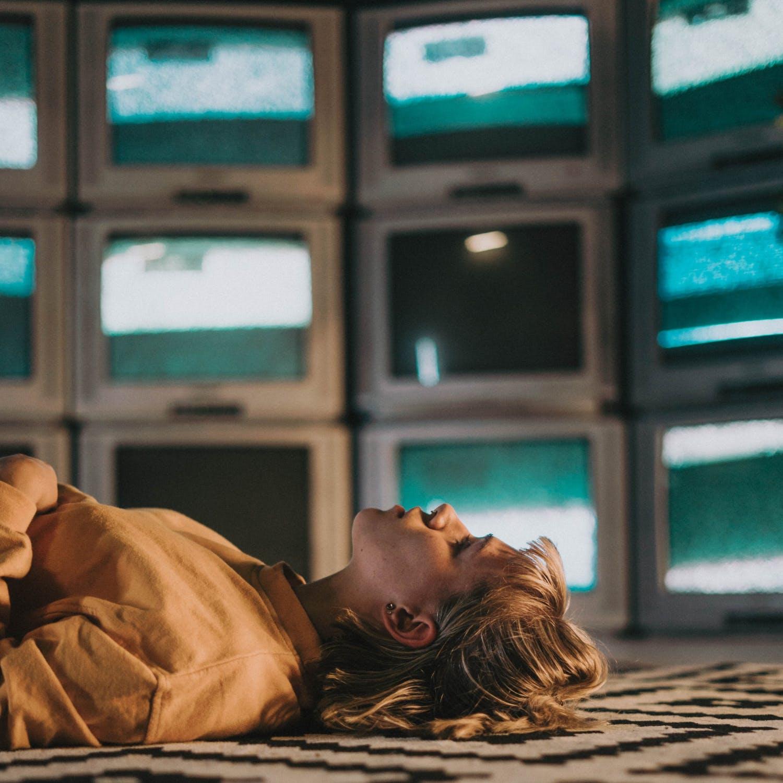 Watching Trashy Reality TV Got Me Through a Friend's Death