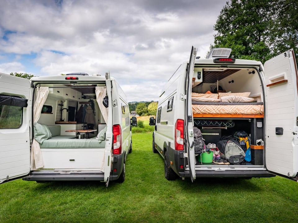 Fixed bed vs dinette van layout for van conversion