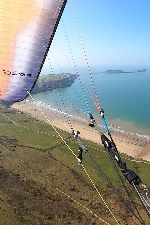 Paragliding in Rhosilli