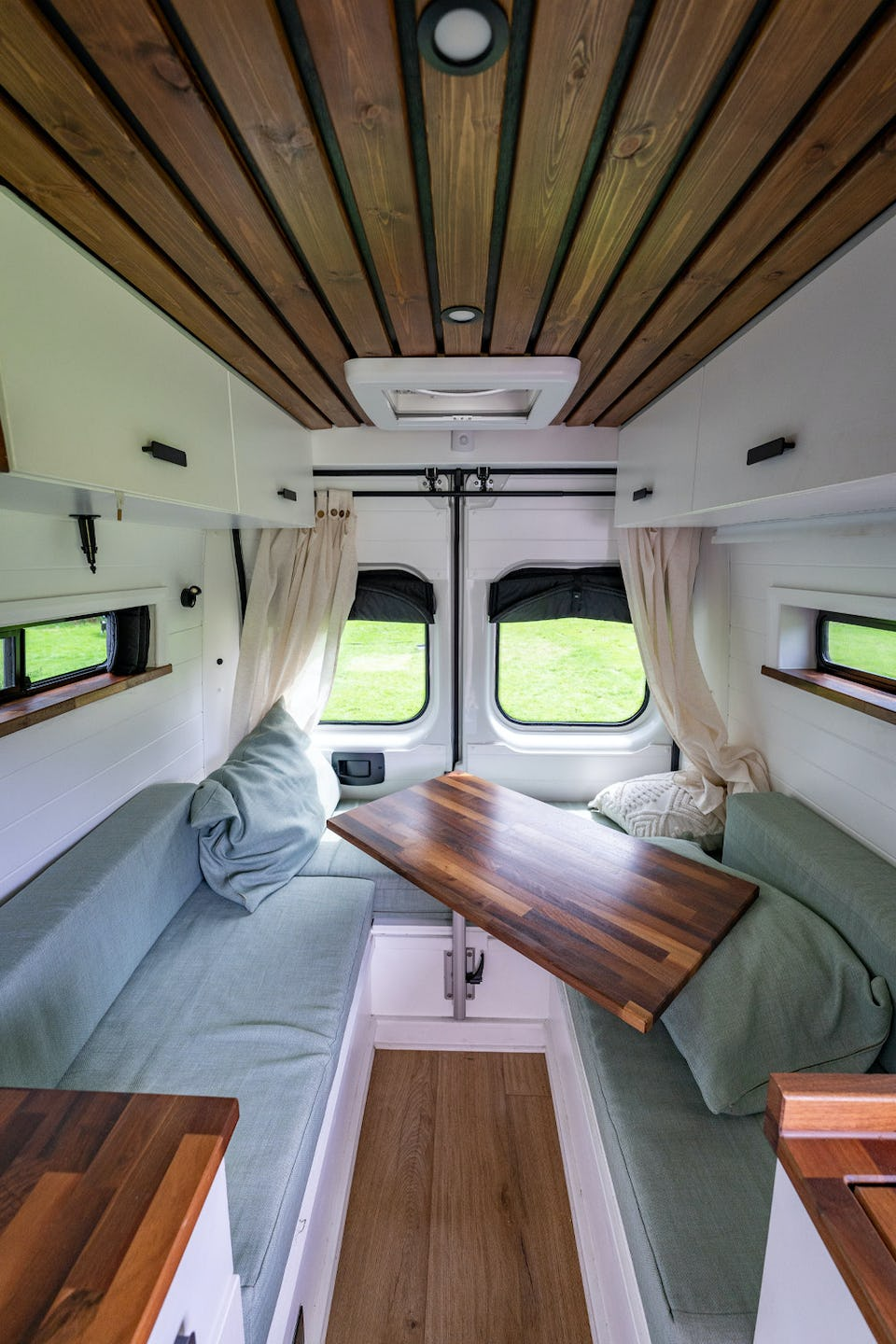 Van layout with Dinette bed