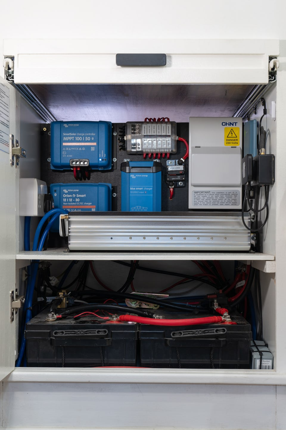 Van conversion battery setup