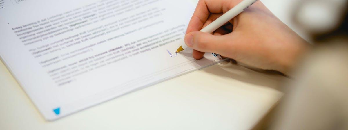 Ondertekening contract - Ten Holter Noordam advocaten