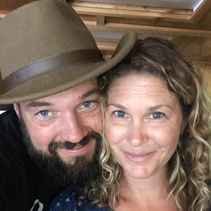 Image of Jeremy & Stephanie Puglisi smiling