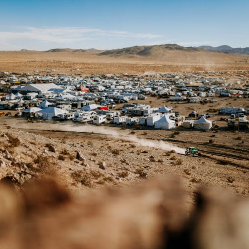 A wide view the RVs parked in the dessert.