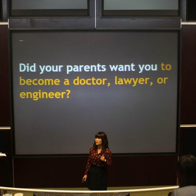 Dr. Na gives a presentation.