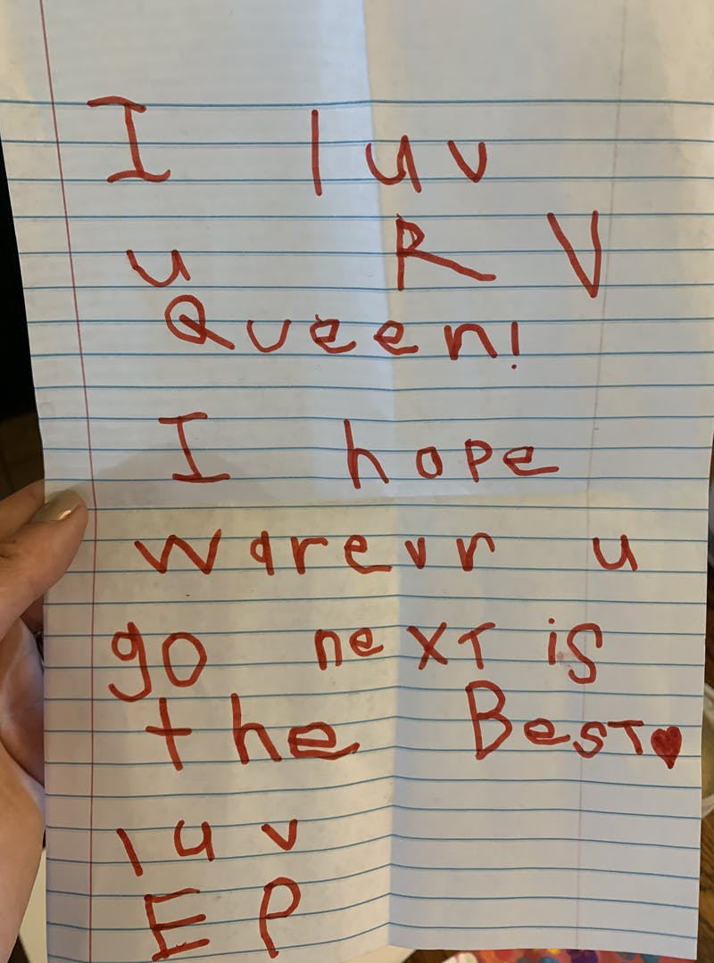 """A note that reads """"I love you, RV queen! I hope wherever you go next is the best. Love, El"""""""
