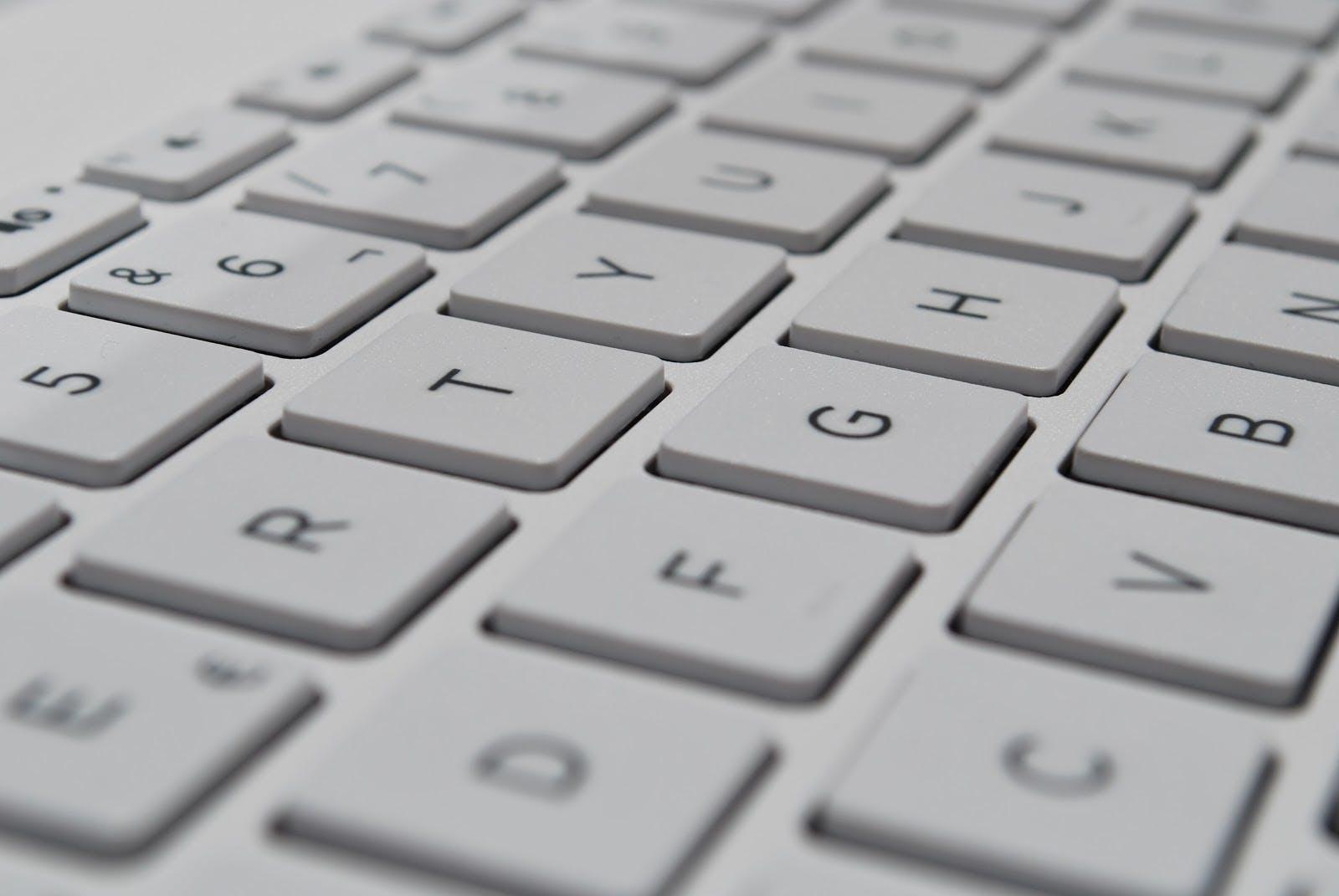 up close shot of a keyboard