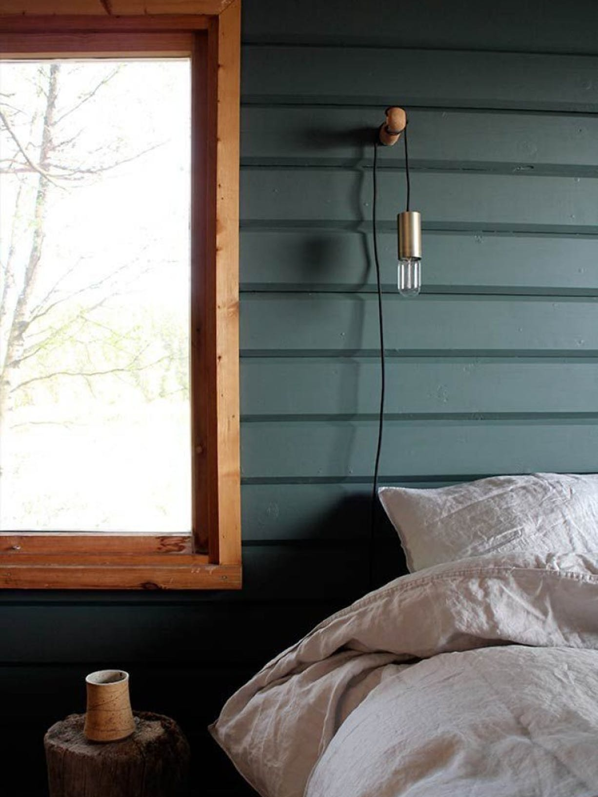 Modern nature: Bringing the outdoors into your bedroom left image
