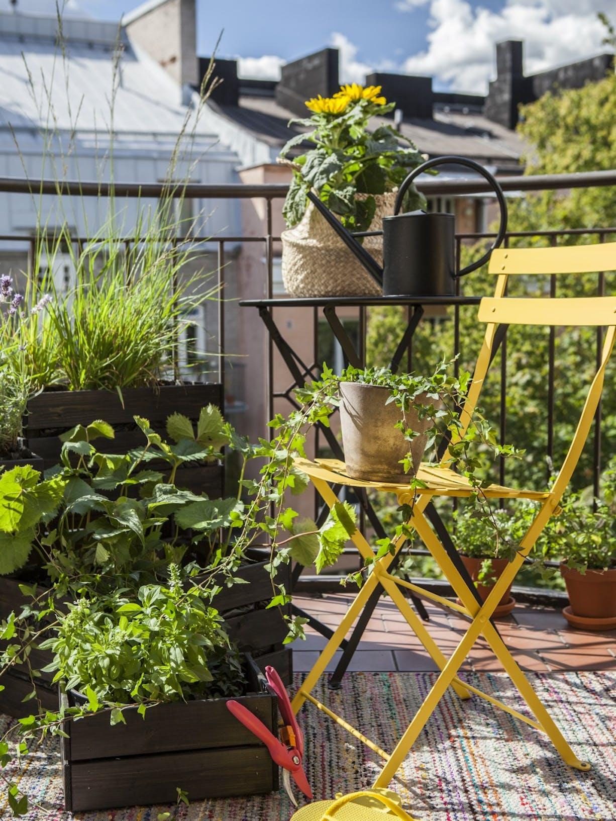 Turn Your Balcony Into An Outdoor Oasis | Chair Shot 1 | Tikkurila