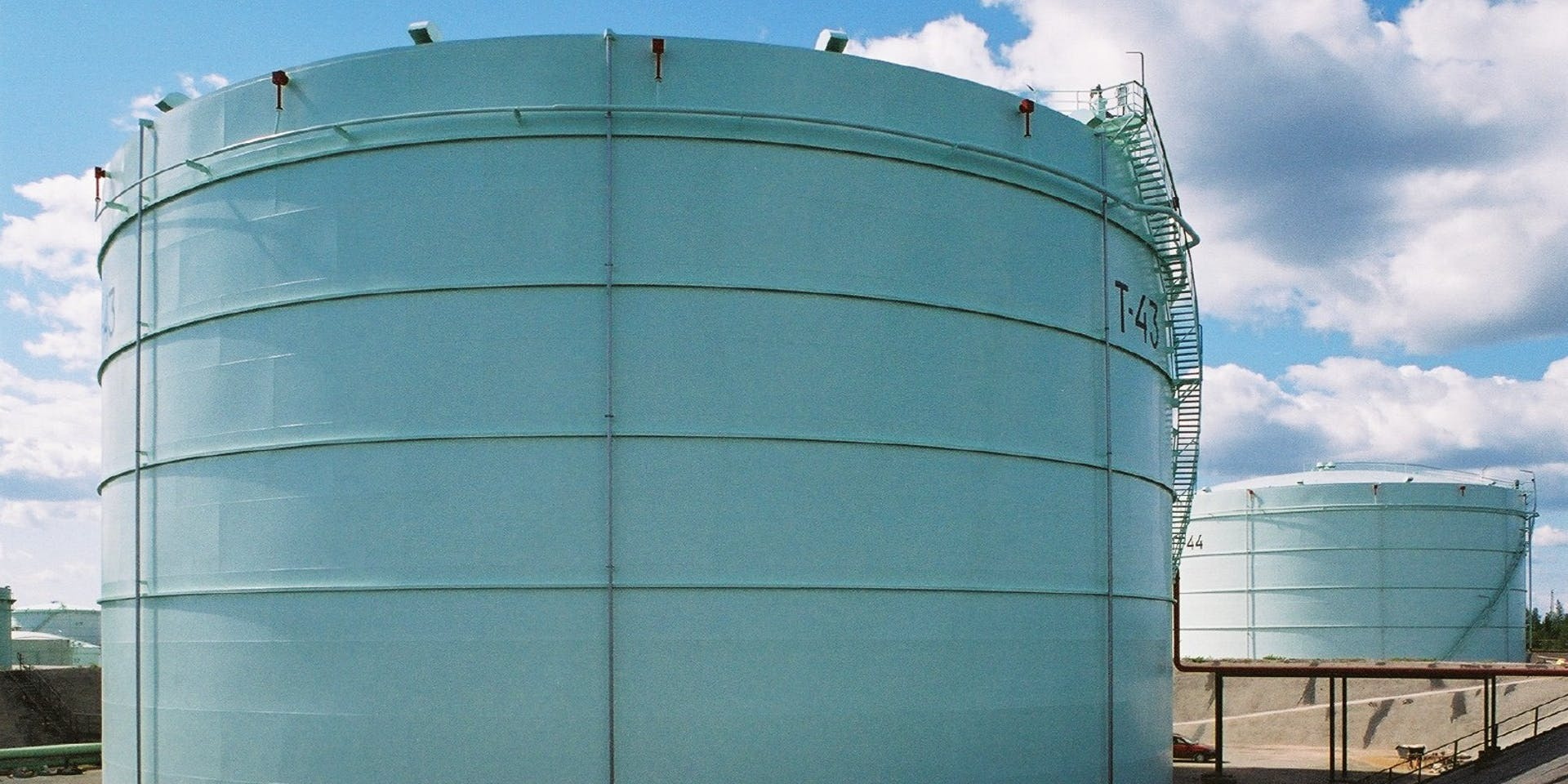 Exterior Steel Surfaces - Storage Tanks and Reservoirs Hero Image