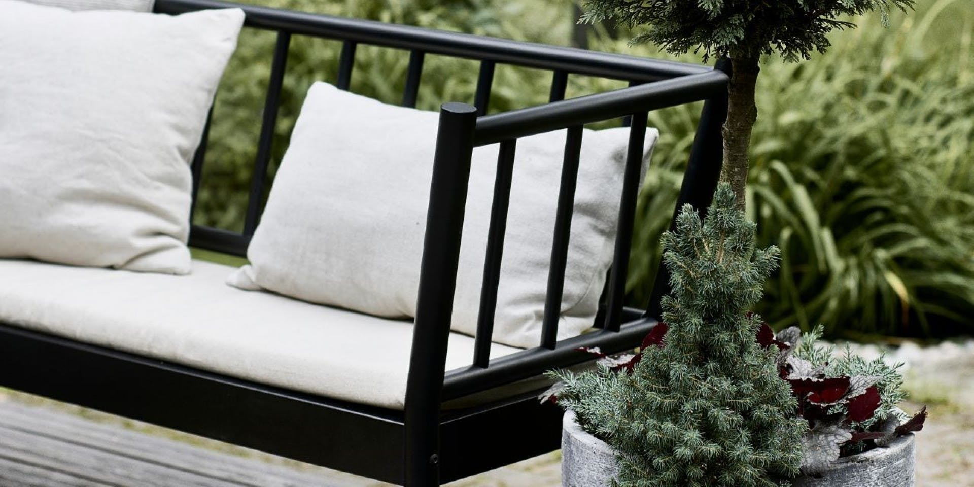 Garden DIY ideas: Painting your patio deck grey | Hero Image | Tikkurila