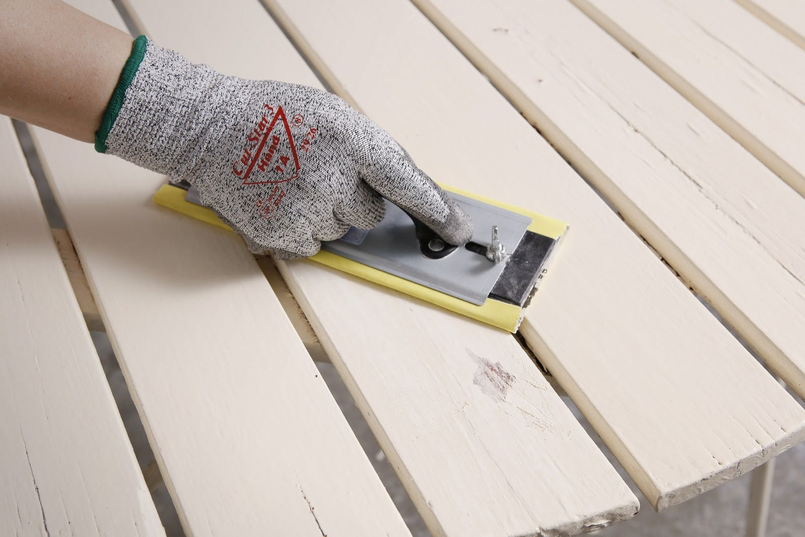 Restore your garden table   Sand   Tikkurila