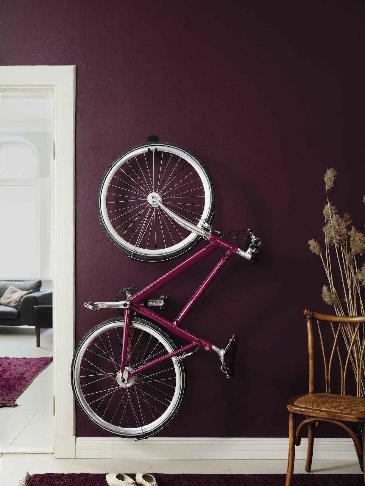 Interior Colour Mood: Energetic Purple - Tango M339 - Left Body Image