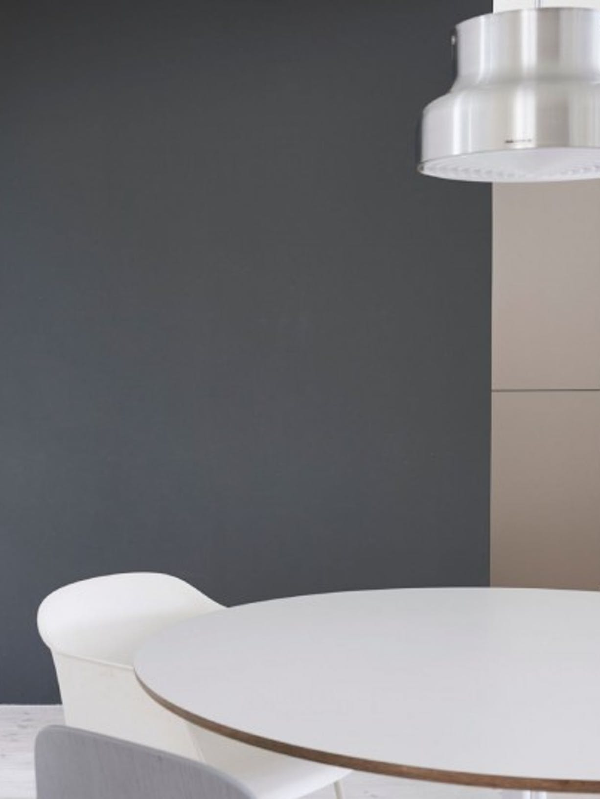 mocha-brown-dining-room-paint-before-image
