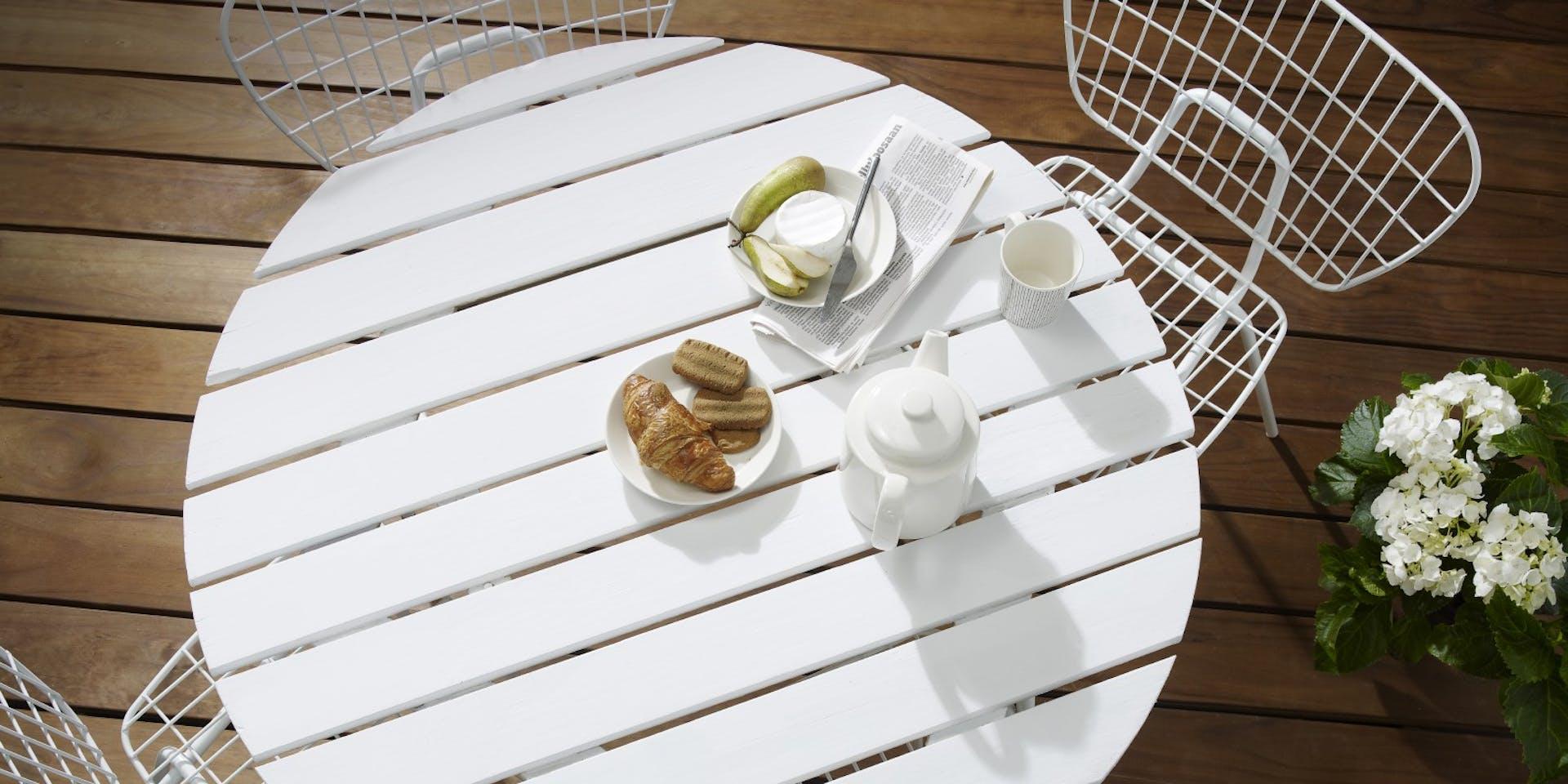 Restore your garden table   Hero Image   Tikkurila