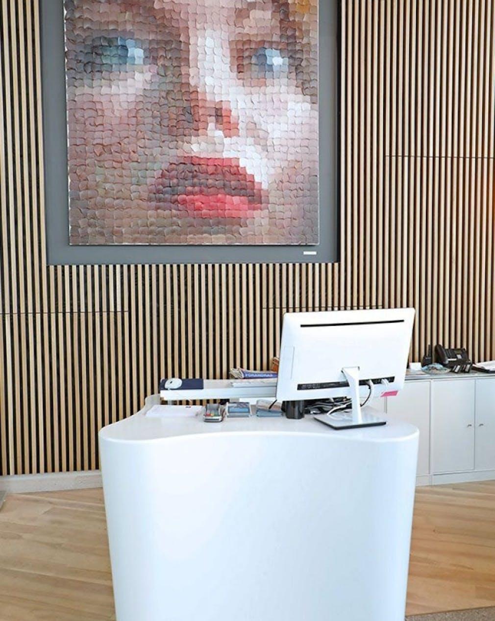 Clarion Hotel Helsinki Recepton Desk image