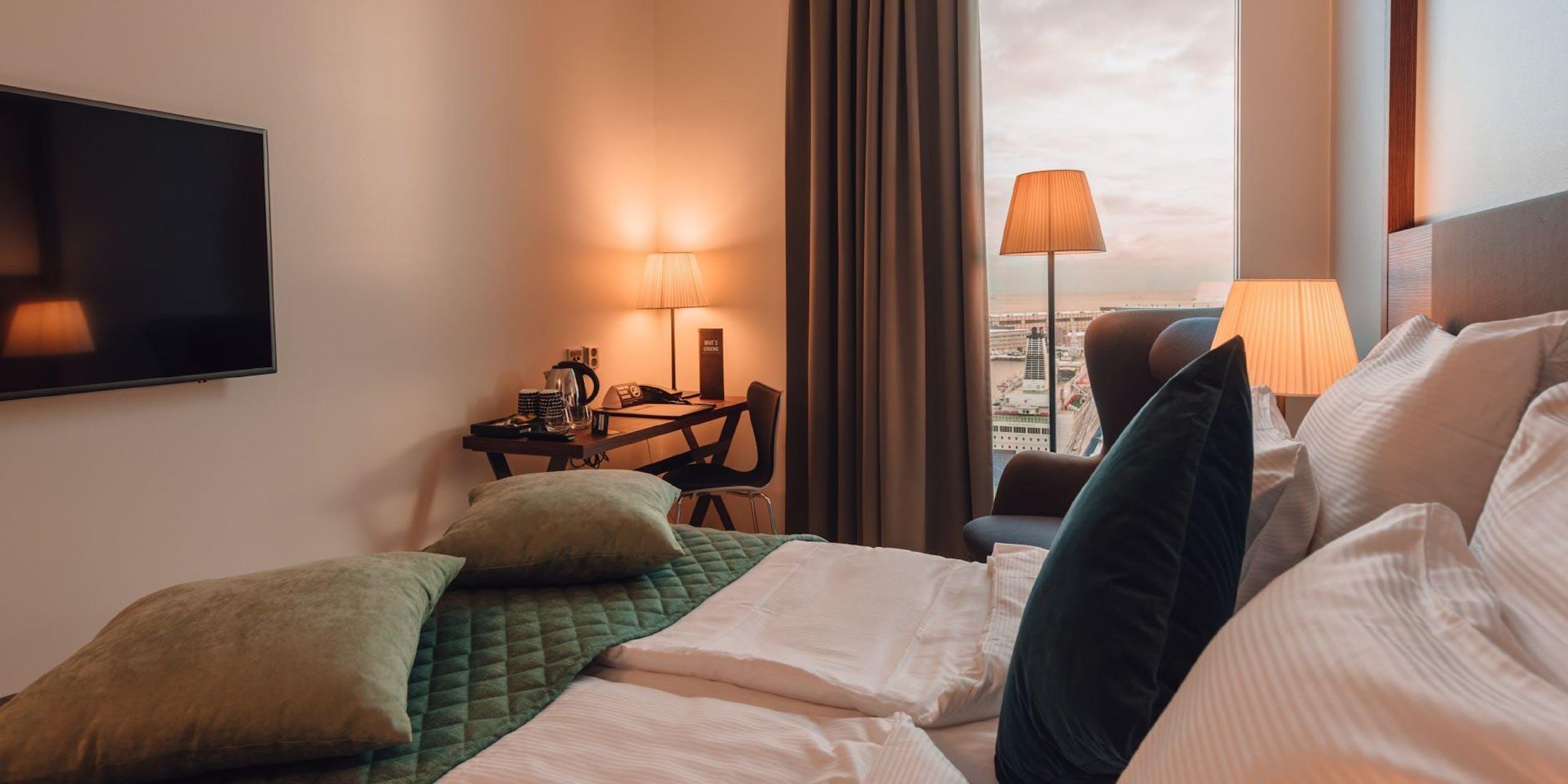 Clarion Hotel Helsinki bedroom image