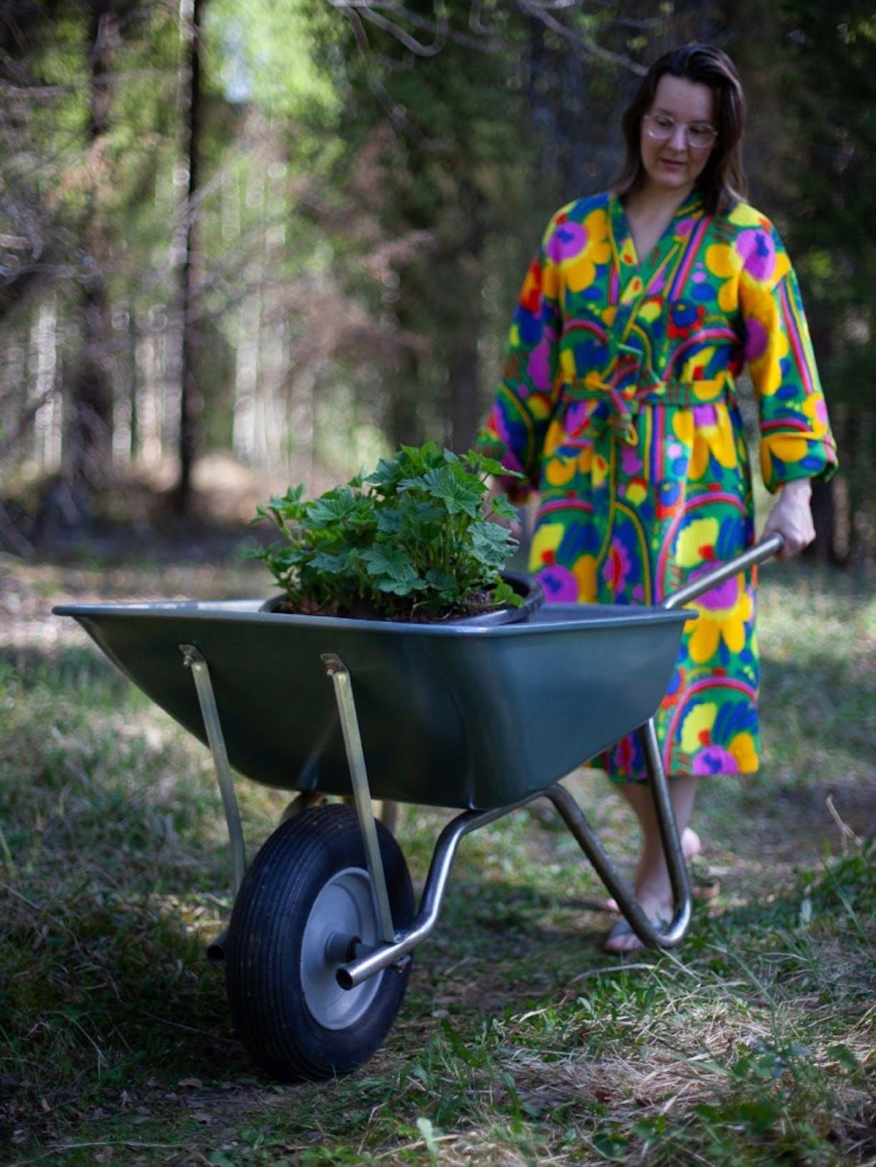 Garden DIY Tips | Wheelbarrow | Tikkurila