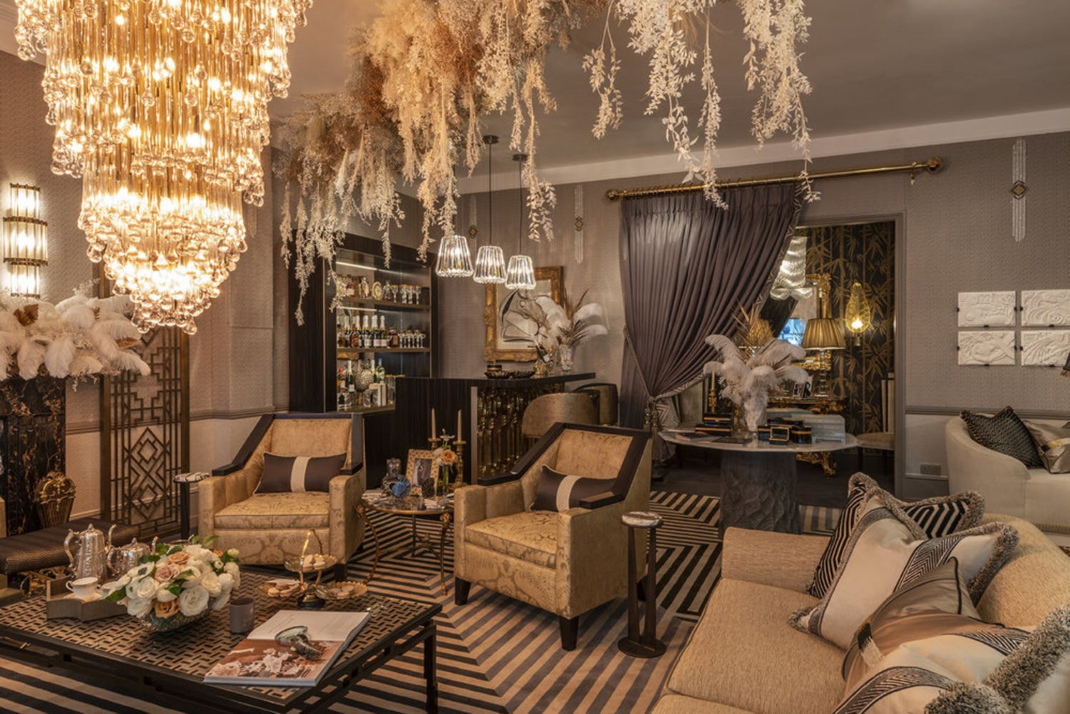 The Gatsby Suite roomset