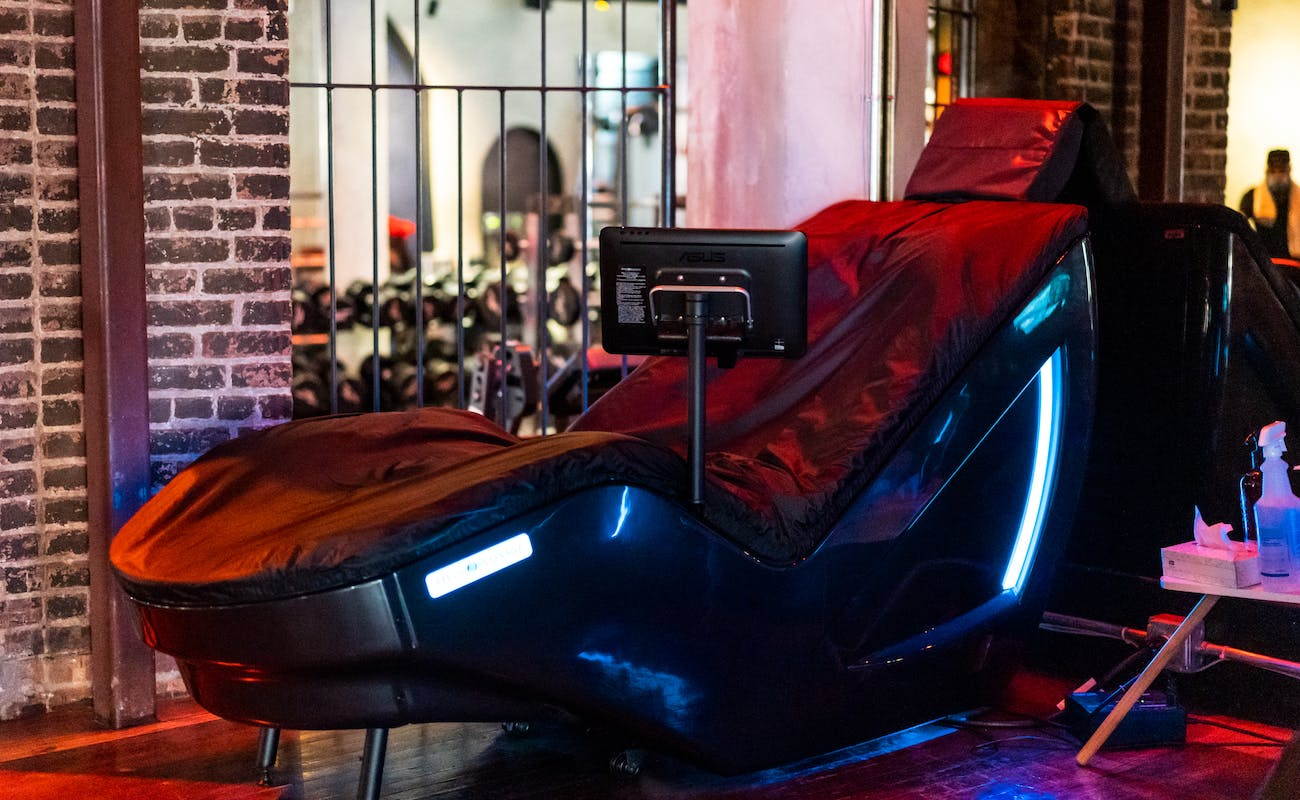 Hydro-Massage Beds at TMPL Astor Place gym