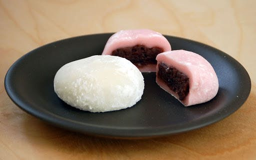 Wondering where Mochi gets its chewy texture? The secret is short-grain glutinous rice! Photo: Channel NewsAsia.