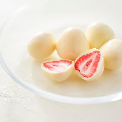 White chocolate strawberries are a favorite choice for the Japanese during Valentine's Day
