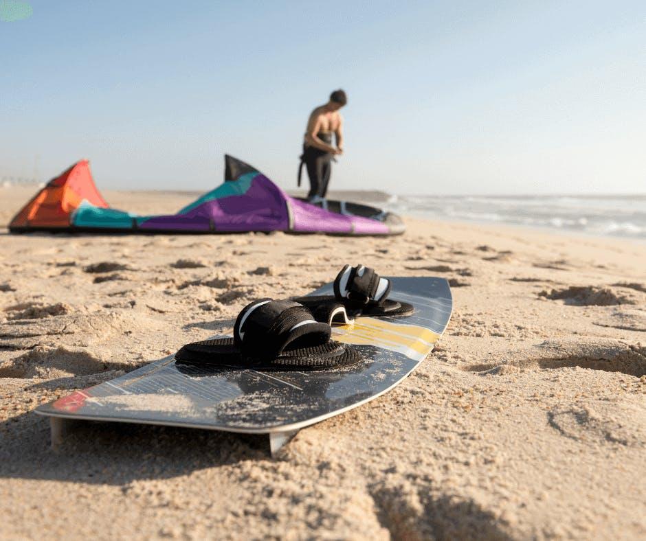 Planche de Kitesurf sur la plage
