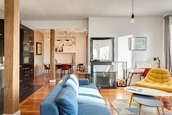 Appartement parisien rénové avec verrière