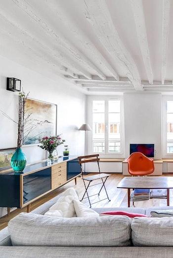 Appartement rénové avec poutres apparentes