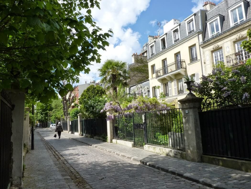Appartements et maisons rénovés dans la Cité des Fleurs, à Paris 17