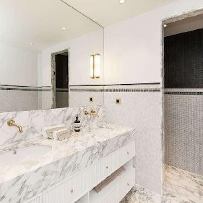 Appartement luxueux - salle de bains marbre