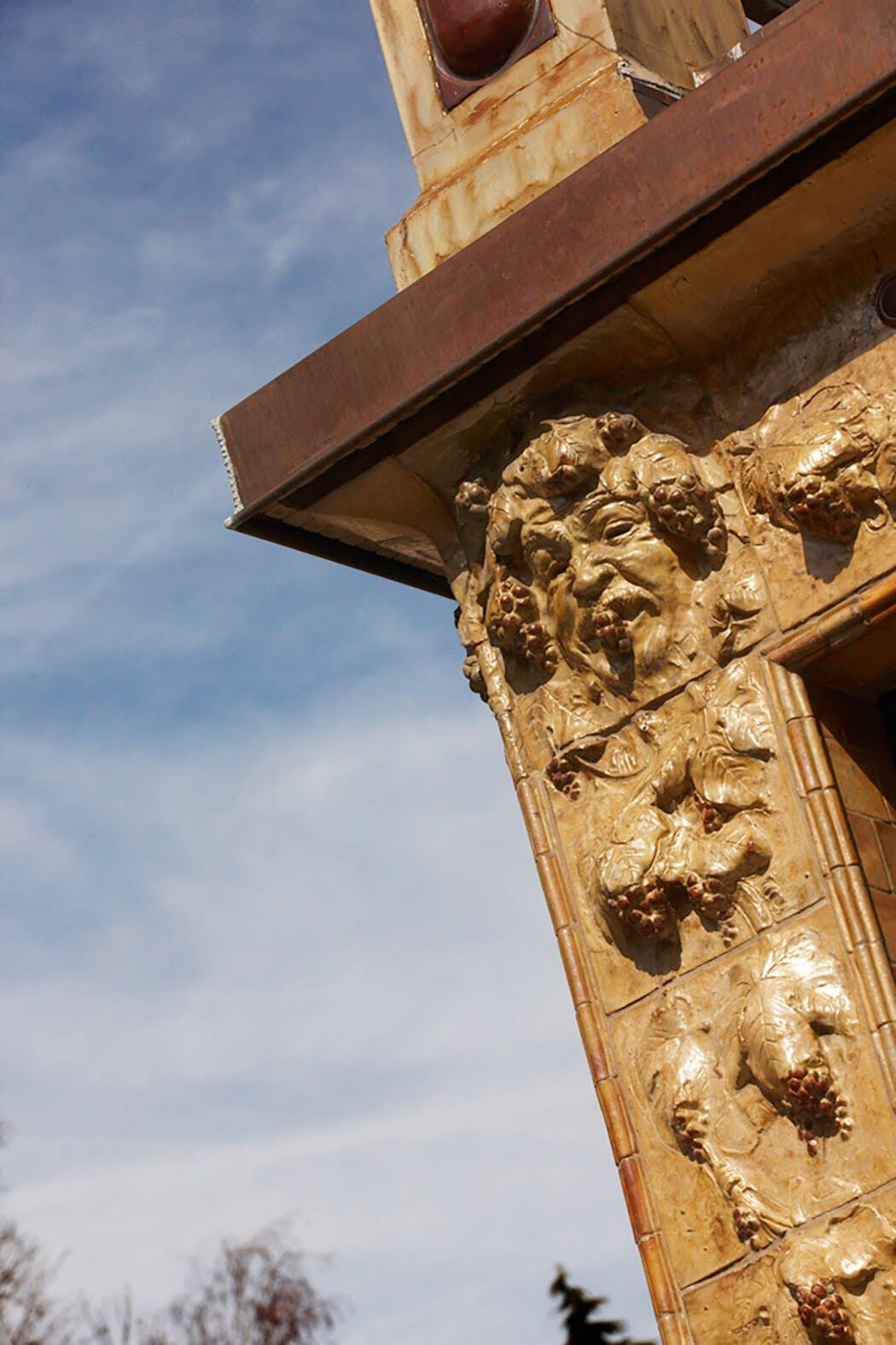 Rénovation de luxe des ornementations pour conserver le charme de l'édifice