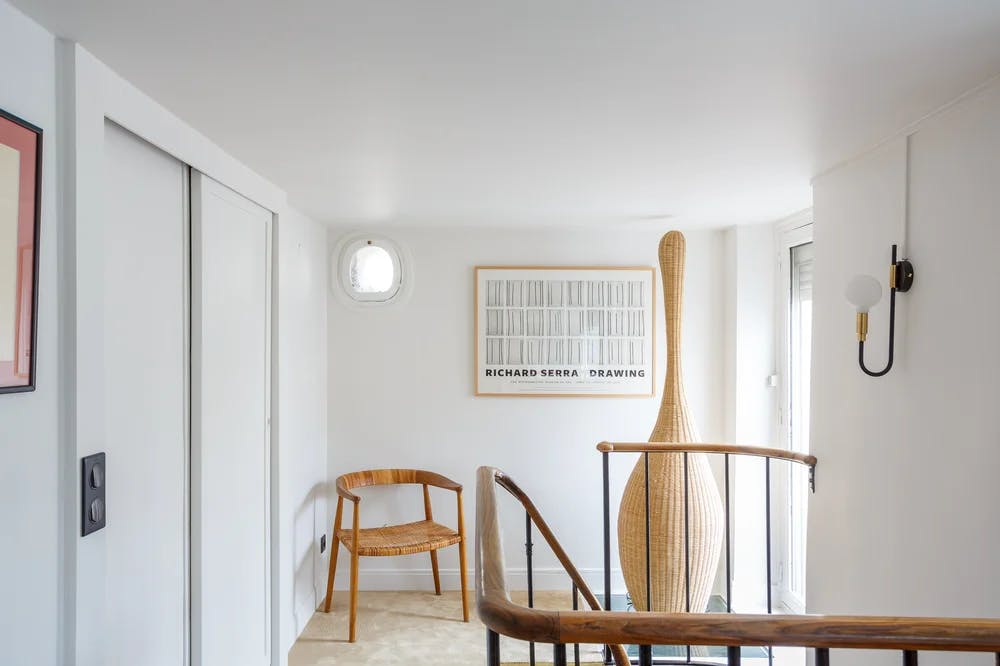 Vue premier étage d'un appartement de 65 m² rénové à Paris 6