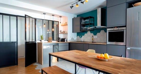 Appartement rénové mêlant bois et modernité