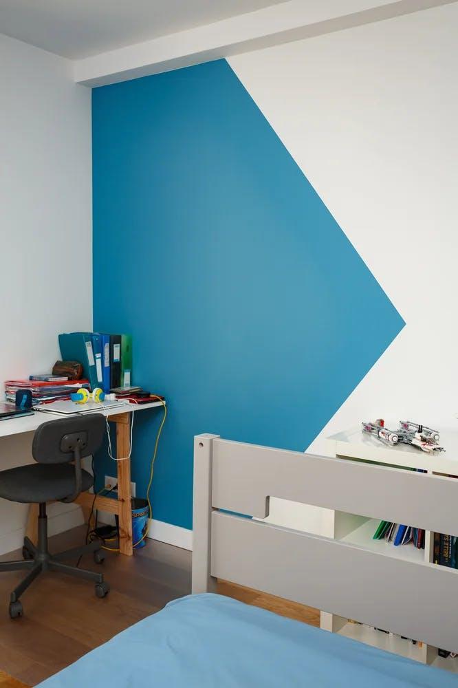 Coin bureau chambre à coucher mur bicolore