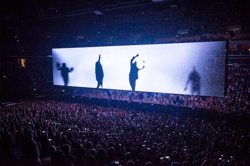 U2 E+I main image
