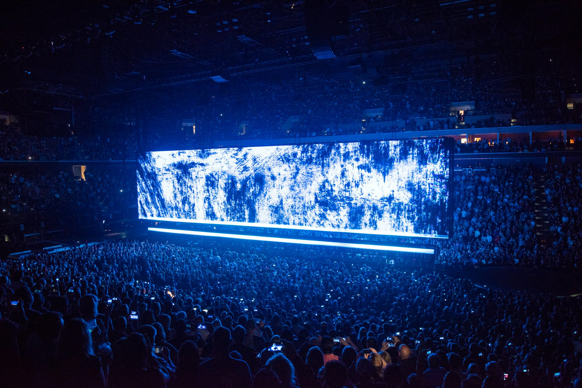 U2 AR audience and stage