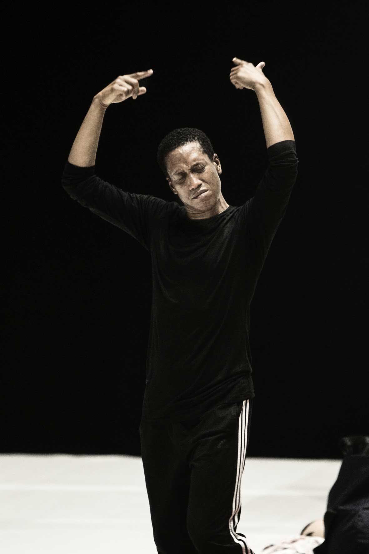 Spettacolo Dancer of the Year in occasione di FOG Triennale Milano Performative Arts, 2021 © Lorenza Daverio