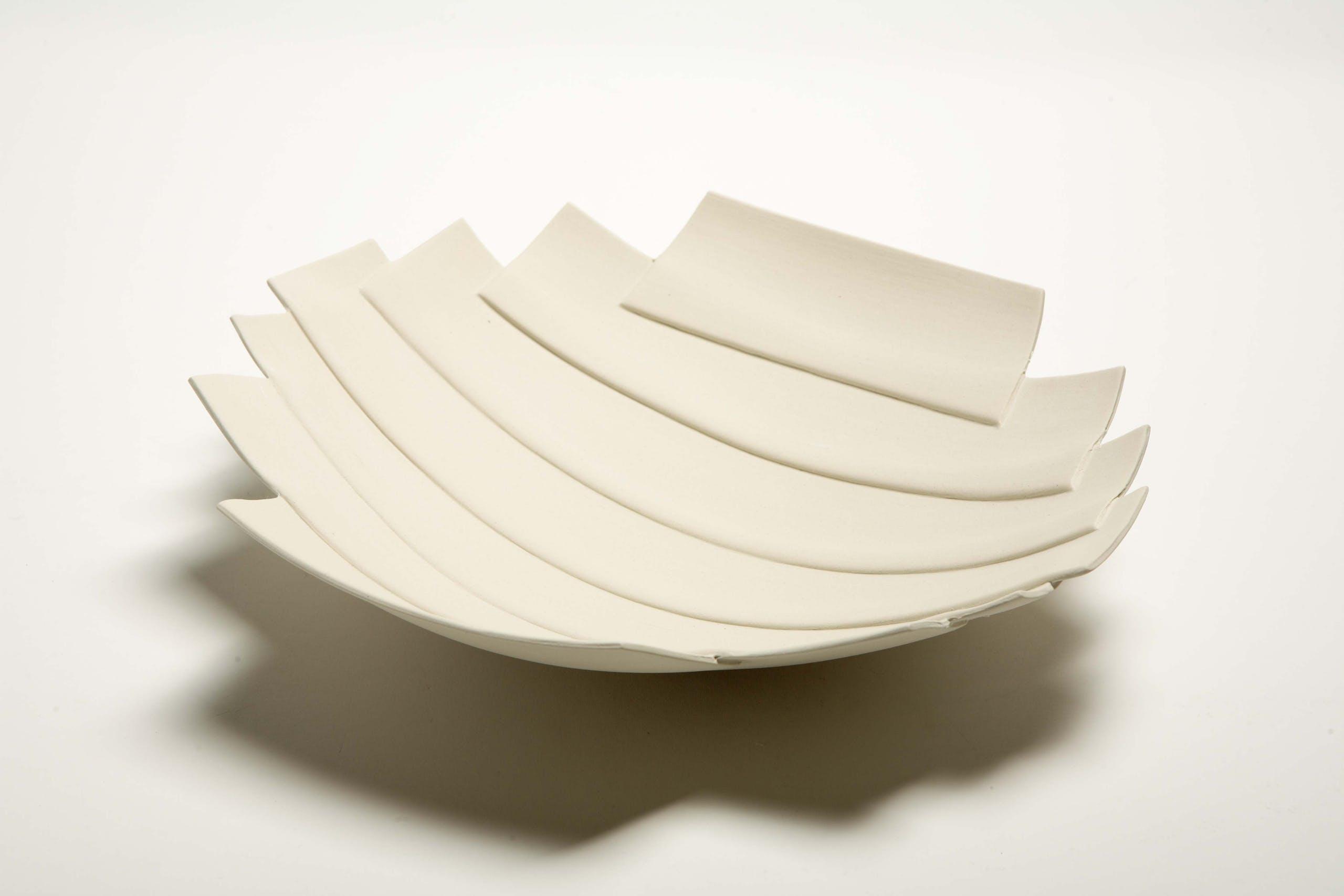 1973, Proposta per la lavorazione a mano della porcellana, ciotole e vasi della Serie Samos, Danese Milano foto Fabrizio Marchesi © Triennale Milano – Archivi