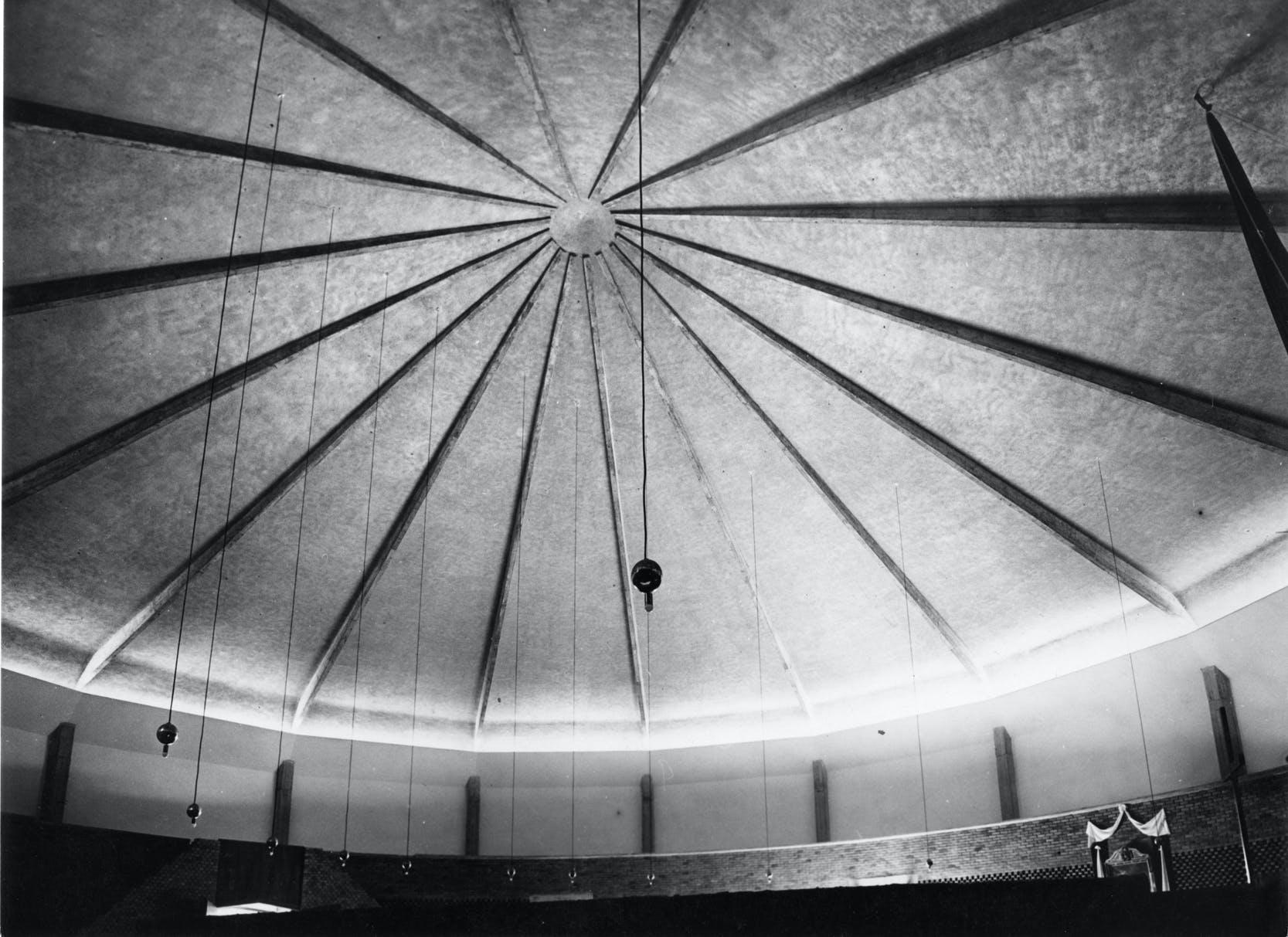 Chiesa di Santa Maria Nascente al QT8, Milano, 1947-1955 (con M. Tedeschi) © Giornalfoto Milano