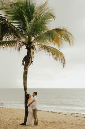 How to Achieve a Healthy Glow for Your Wedding Day | The Do's and Don'ts of Bridal Tanning