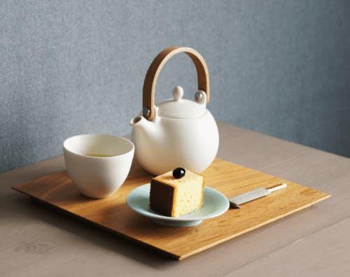 A white ceramic tea set.